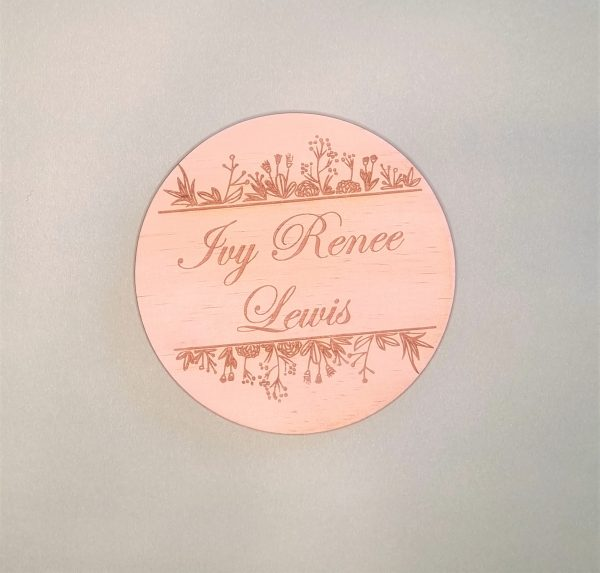 baby name announcement plaque with horizontal mixed flora embellishment